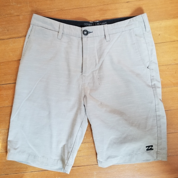 Billabong Submersibles Summer Shorts. Size 32